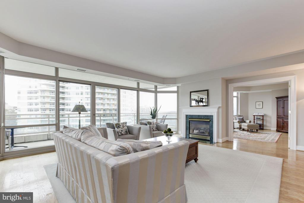 Gorgeous Living Room w/ gas fireplace - 5630 WISCONSIN AVE #807, CHEVY CHASE