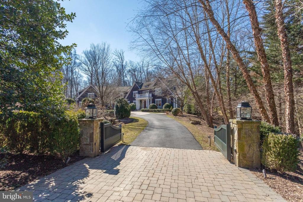 Gates were added to both entrances - 7301 DULANY DR, MCLEAN