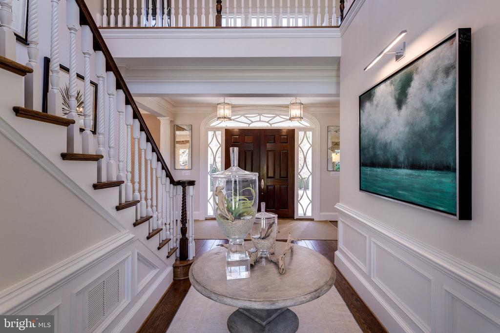 Classic front door - 7301 DULANY DR, MCLEAN