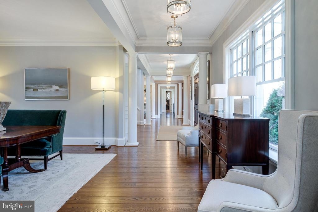 Hallway to DR, LR, office, solarium & powder room - 7301 DULANY DR, MCLEAN