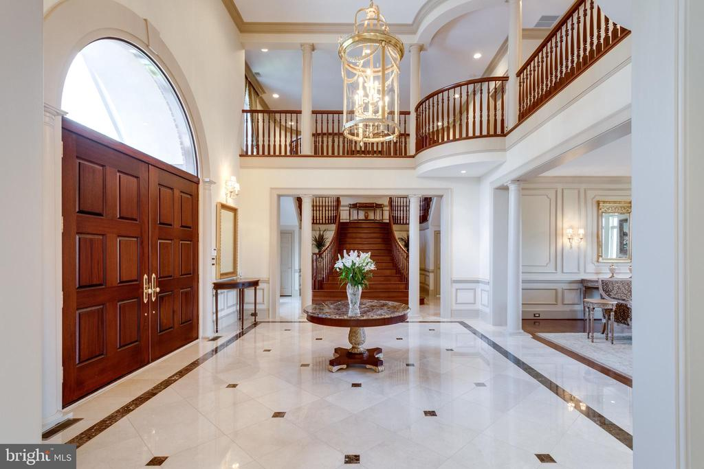 Gracious Marble Entry - 9179 OLD DOMINION, MCLEAN