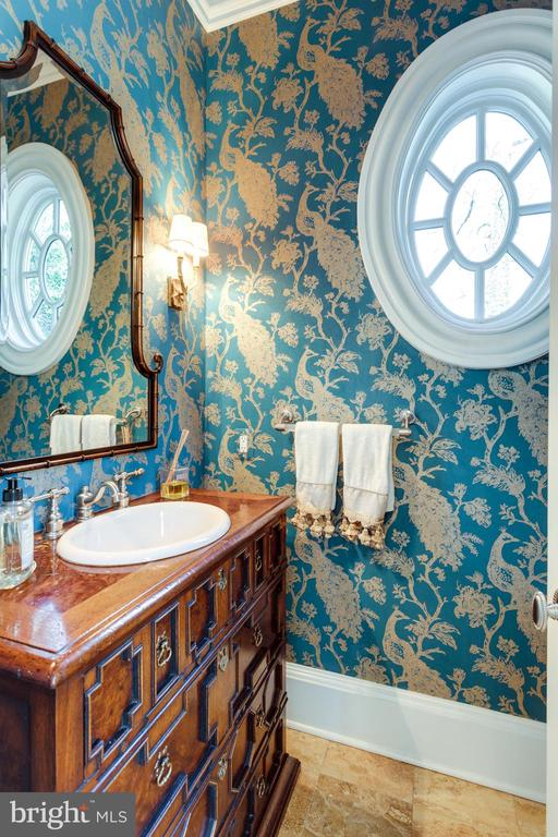 Second powder room - 7301 DULANY DR, MCLEAN