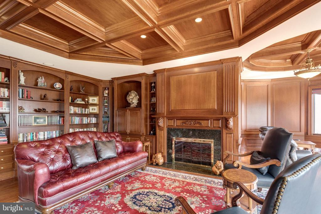 Cherry paneled walls & coffered ceiling - 9179 OLD DOMINION, MCLEAN