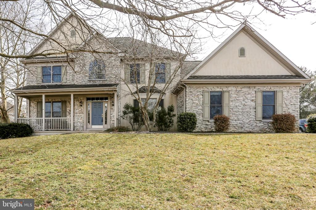 376  MILL POND DRIVE, Manheim Township, Pennsylvania