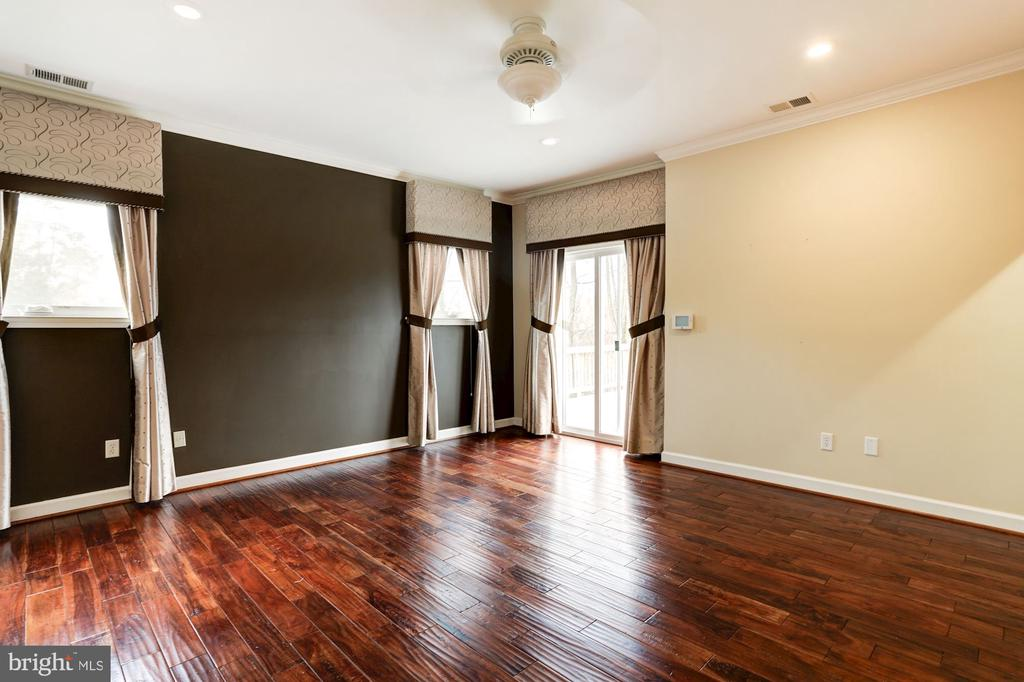 Owner's Suite (Upper Level) - 3502 PINETREE TER, FALLS CHURCH