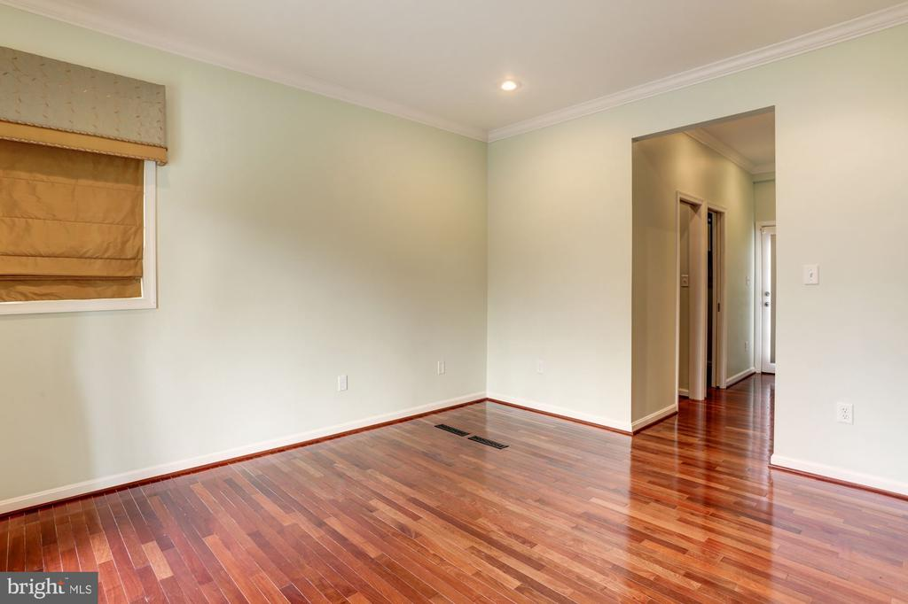 Owner's Suite (Main Level) (1 of 6 Bedrooms) - 3502 PINETREE TER, FALLS CHURCH