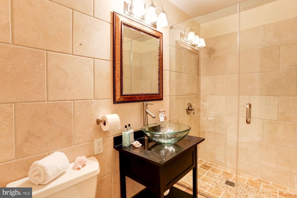 Bathroom (Main Level) - 3502 PINETREE TER, FALLS CHURCH