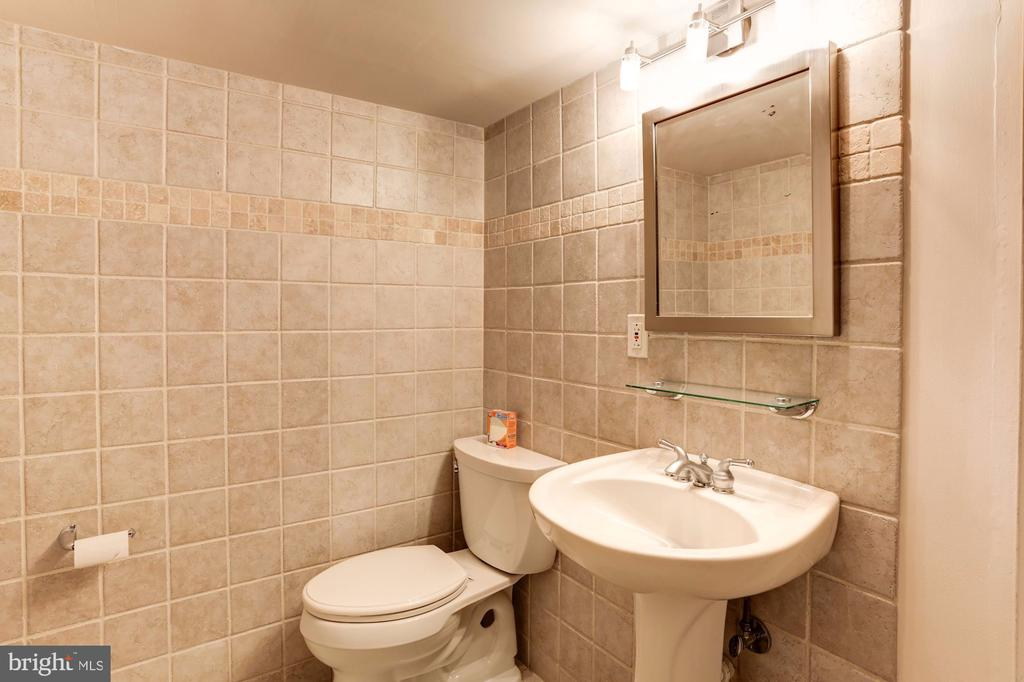 Bathroom (Lower Level) - 3502 PINETREE TER, FALLS CHURCH