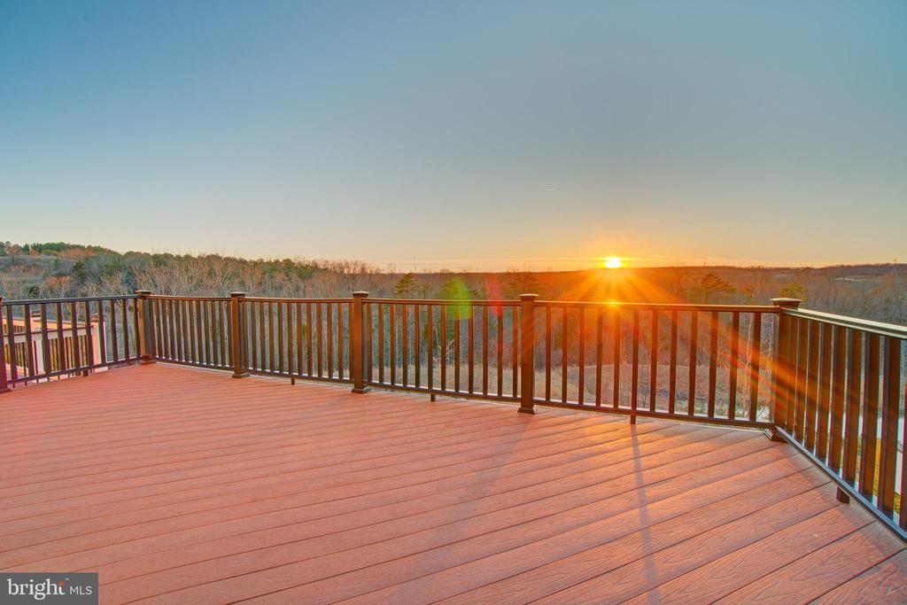 Amazing sunsets!  Rear of house faces west! - 20639 ERSKINE TER, ASHBURN