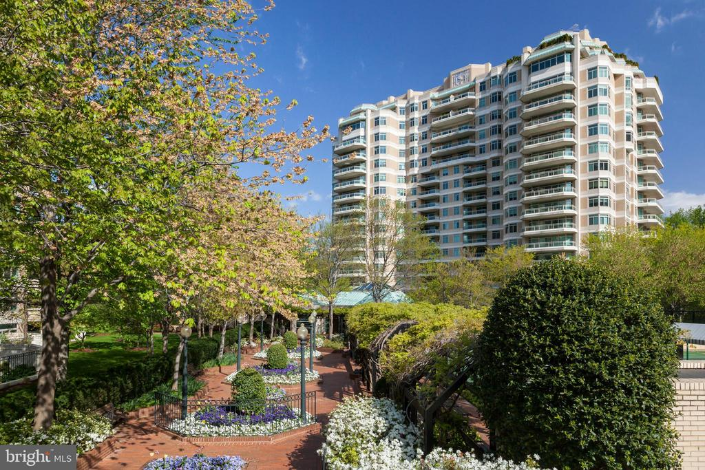 Parc Somerset - 5630 WISCONSIN AVE #807, CHEVY CHASE