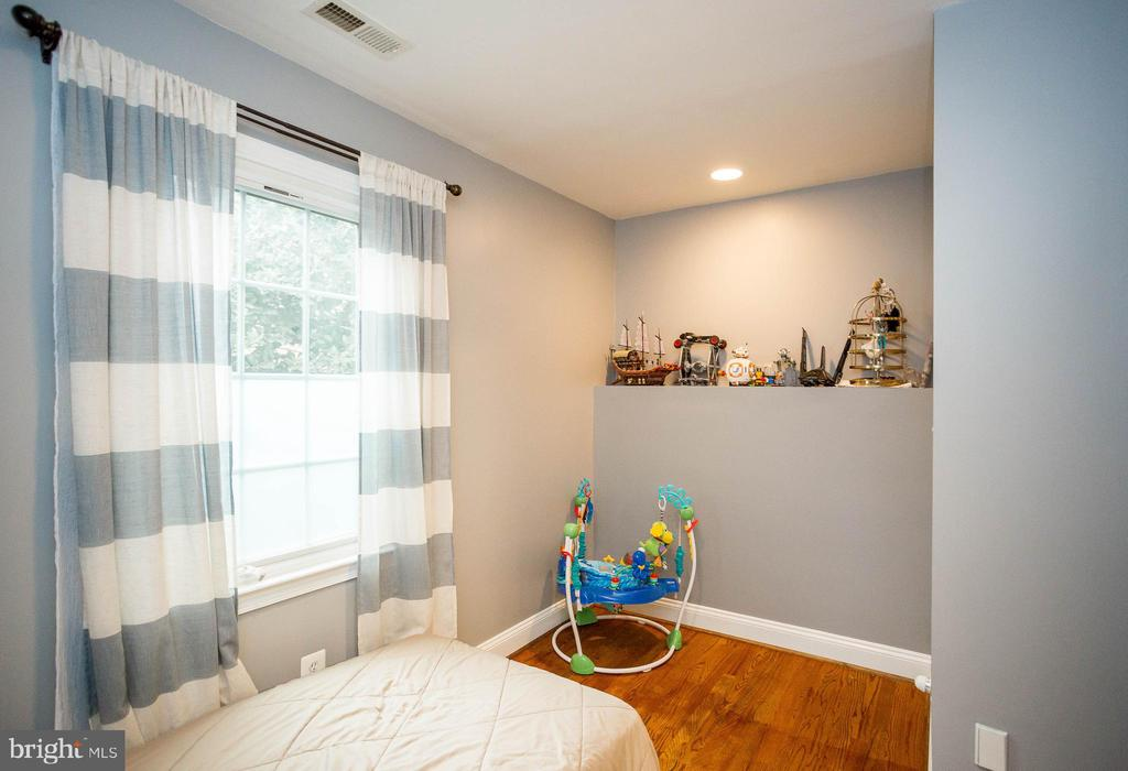Fun kids room - Bedroom #3 - 2704 S JOYCE ST, ARLINGTON