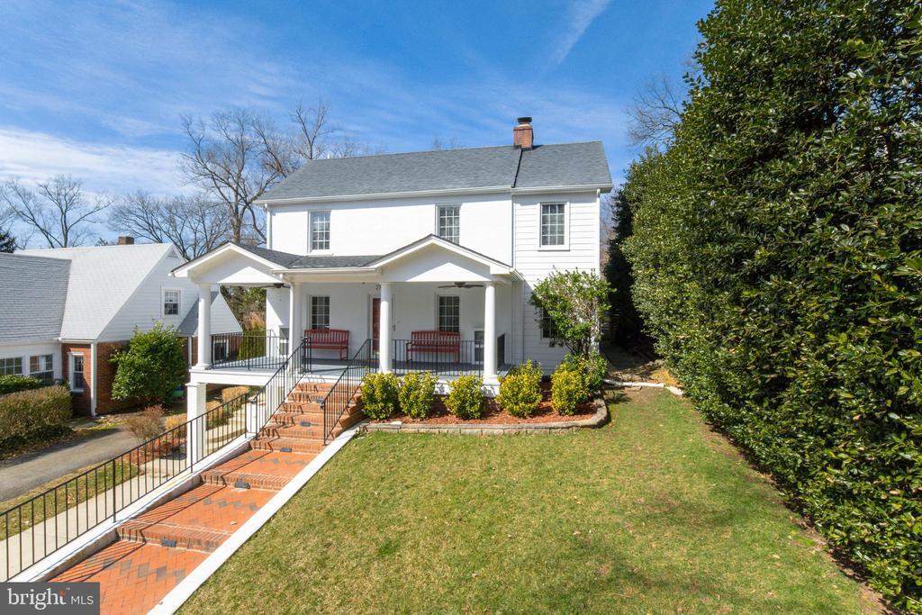 Gorgeous Arlington Ridge Home - 2704 S JOYCE ST, ARLINGTON