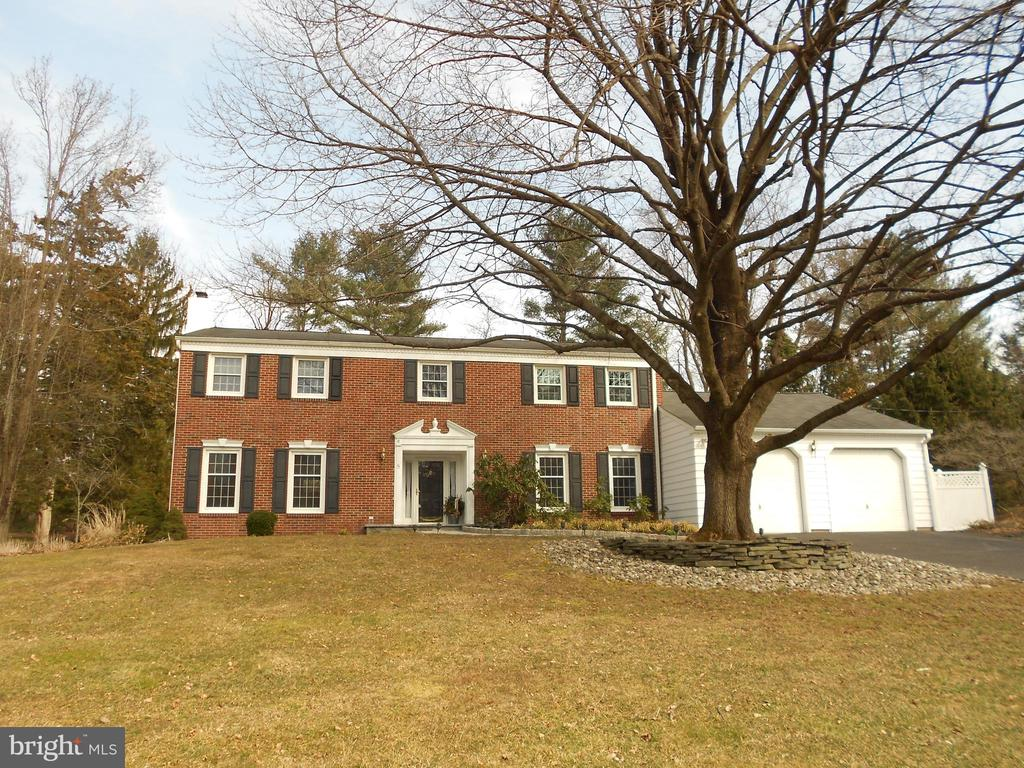 8  DELAWARE RIM DRIVE, Yardley in BUCKS County, PA 19067 Home for Sale