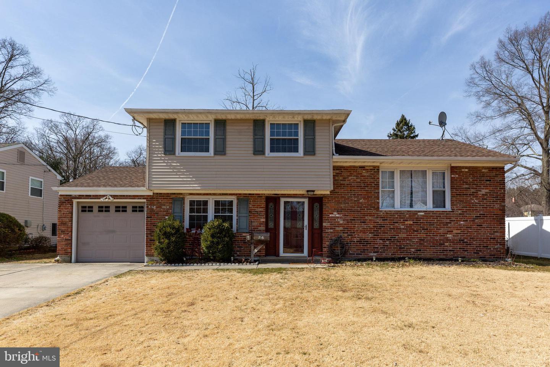 Villa per Vendita alle ore 216 WOODLYNNE Avenue Pitman, New Jersey 08071 Stati Uniti