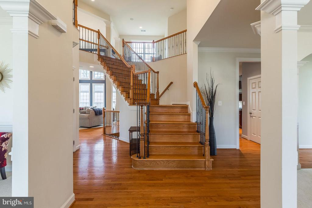 Great view from front foyer - 18487 KERILL RD, TRIANGLE