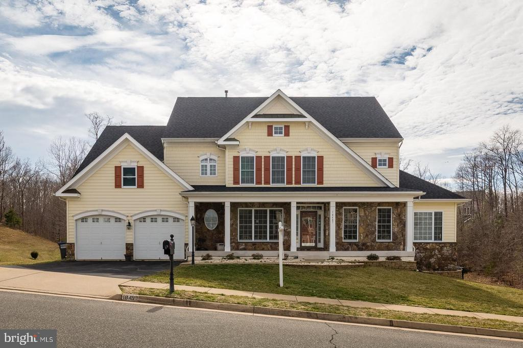 Front view of home - 18487 KERILL RD, TRIANGLE