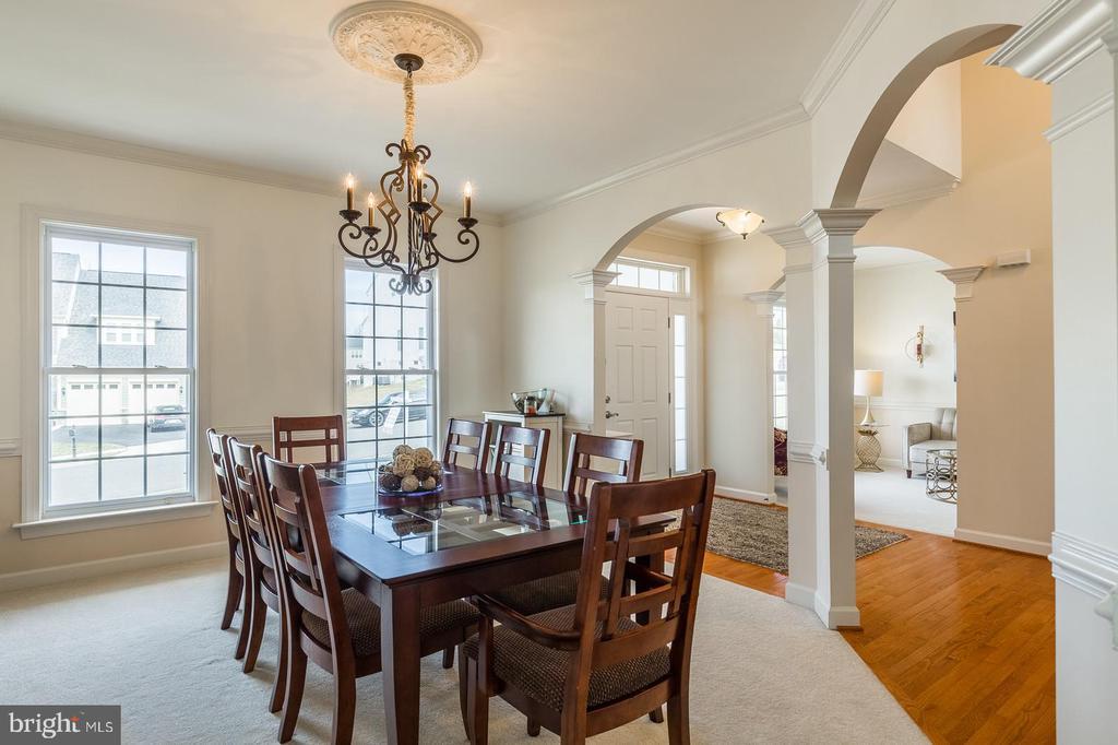 Spacious dining area - 18487 KERILL RD, TRIANGLE