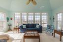 Sun drenched Florida room perfect for lounging - 18487 KERILL RD, TRIANGLE