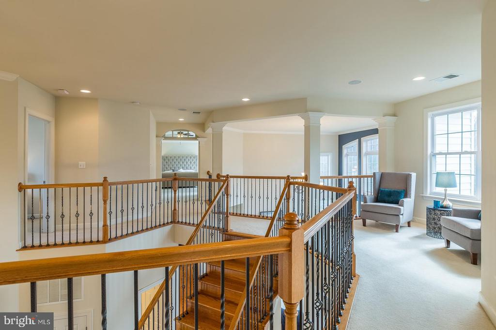 Upper level sitting area - 18487 KERILL RD, TRIANGLE