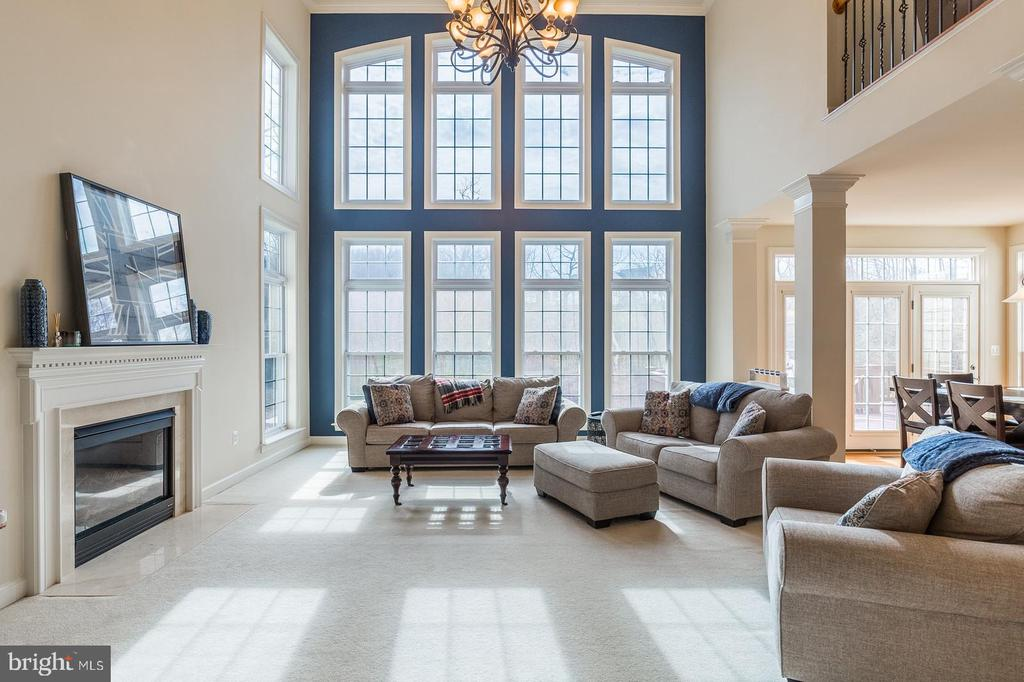 Two story great room w/ plenty of natural sunlight - 18487 KERILL RD, TRIANGLE