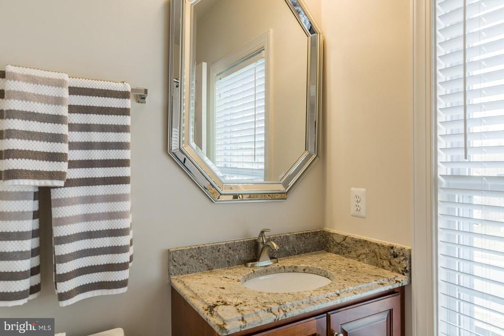 4th bedroom with full bath - 18487 KERILL RD, TRIANGLE