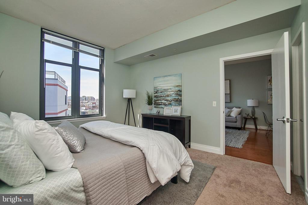 Spacious bedroom - 2120 VERMONT AVE NW #611, WASHINGTON