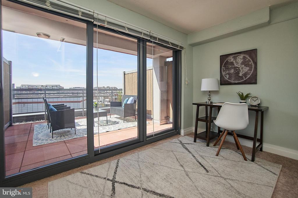 Den on 2nd Level walks out to private patio - 2120 VERMONT AVE NW #611, WASHINGTON