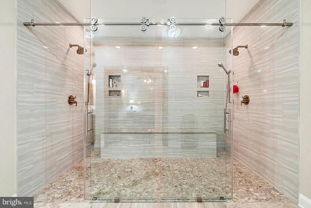 Custom Shower completed 2019 - 38581 DAYMONT LN, WATERFORD
