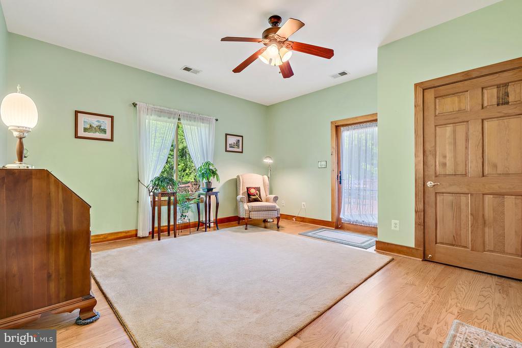Bedroom 3 w/Ceiling fan & Hardwoods - 38581 DAYMONT LN, WATERFORD
