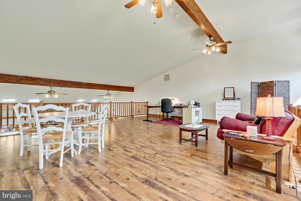 Balcony Loft w/Beamed vaulted ceiling - 38581 DAYMONT LN, WATERFORD