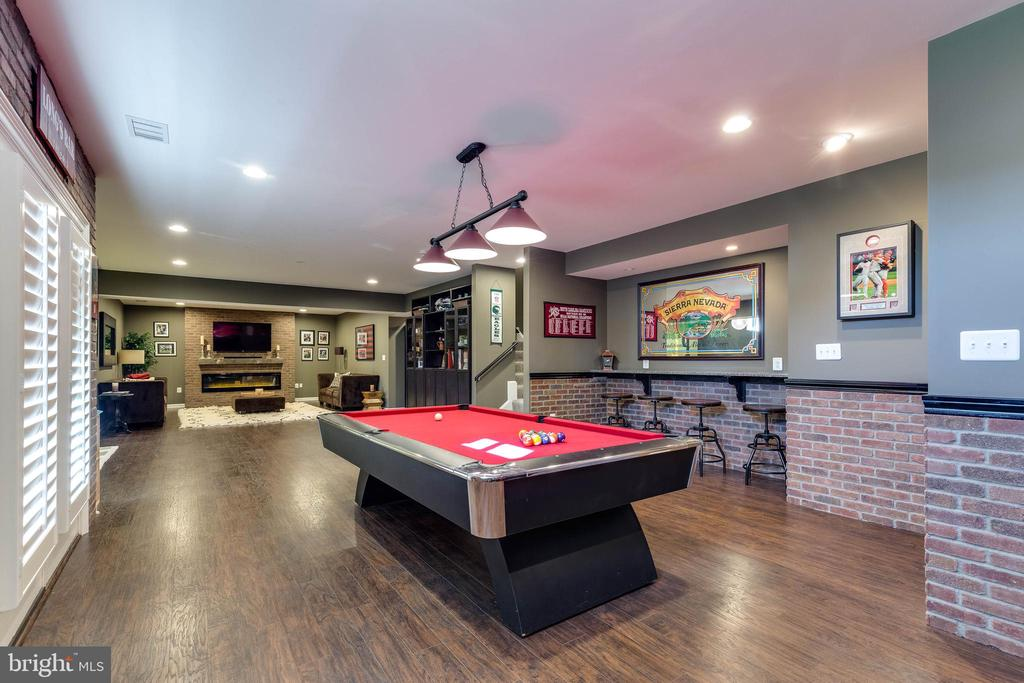 Billiards Room - 42231 AMBER MEADOWS LN, BRAMBLETON
