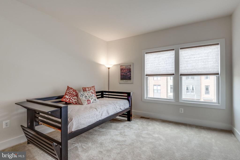 EXTRA bedroom - 44732 ROOSEVELT SQ, ASHBURN