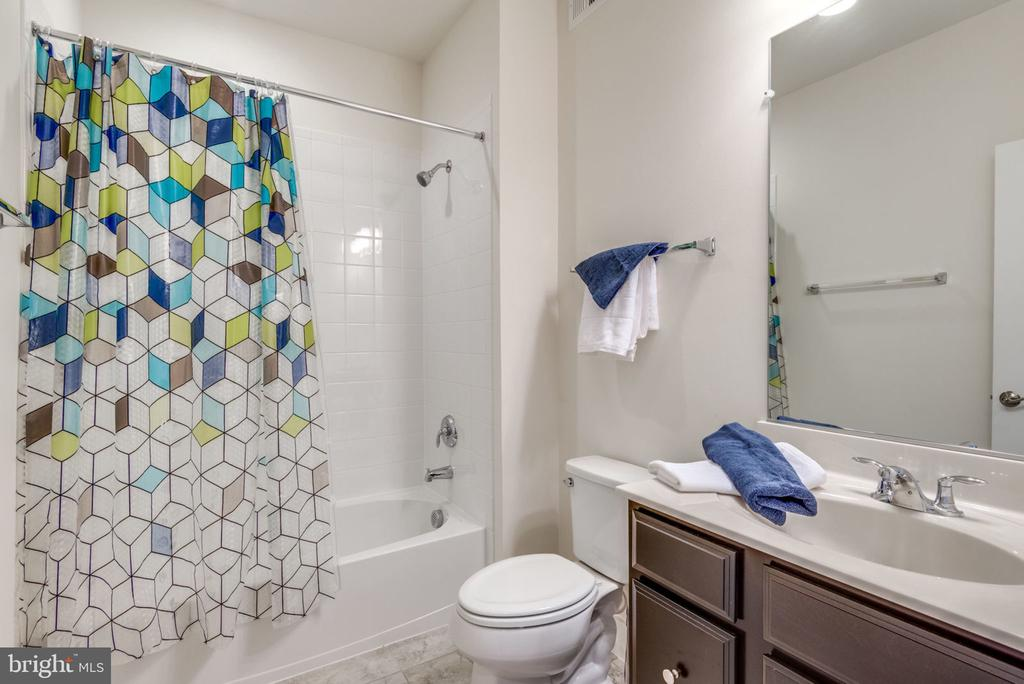 Secondary Bath - 44732 ROOSEVELT SQ, ASHBURN