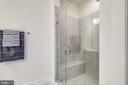 Large frameless shower - 44732 ROOSEVELT SQ, ASHBURN