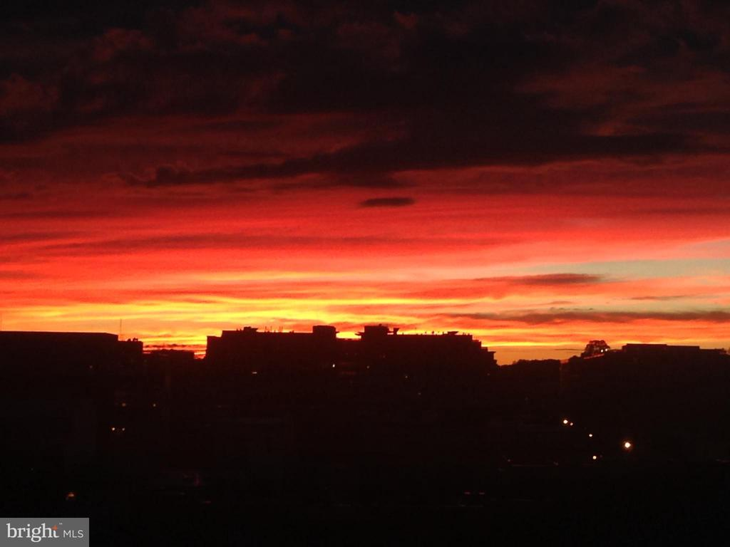 One of many gorgeous sunsets on the patio - 2120 VERMONT AVE NW #611, WASHINGTON
