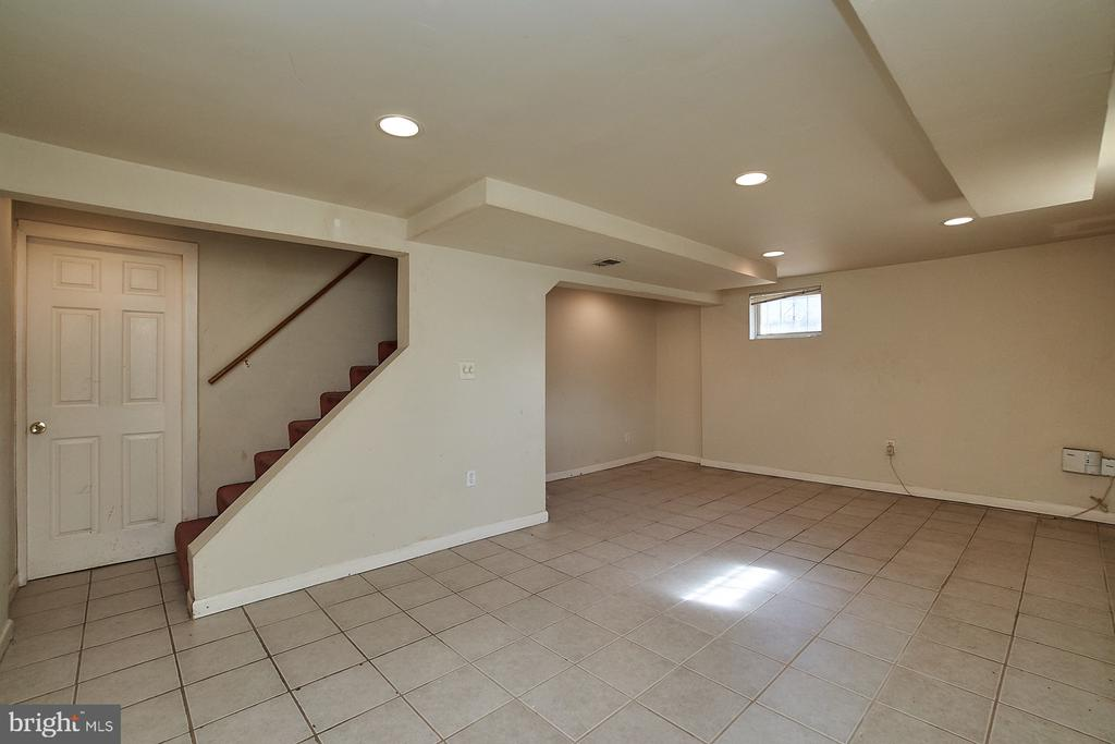 Family room in basement - 4106 24TH AVE, TEMPLE HILLS