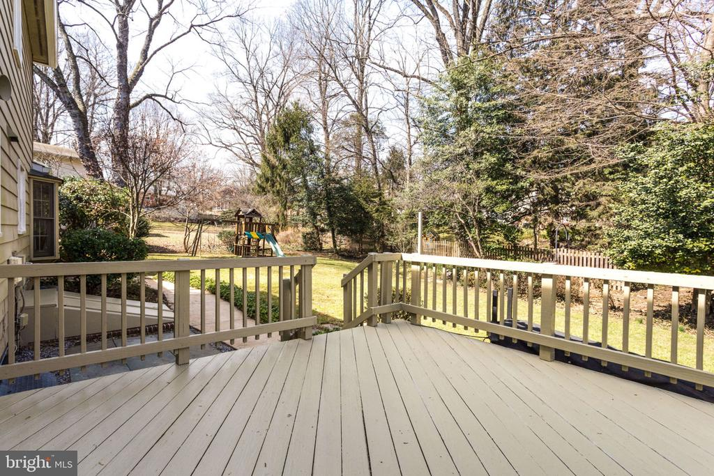 Beautiful view of green trees and foliage. - 4708 FEDERAL CT, ANNANDALE