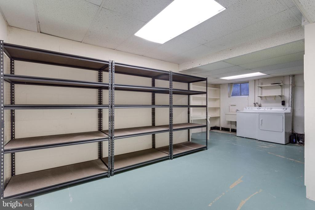 Storage galore with plenty of space for laundry - 4708 FEDERAL CT, ANNANDALE