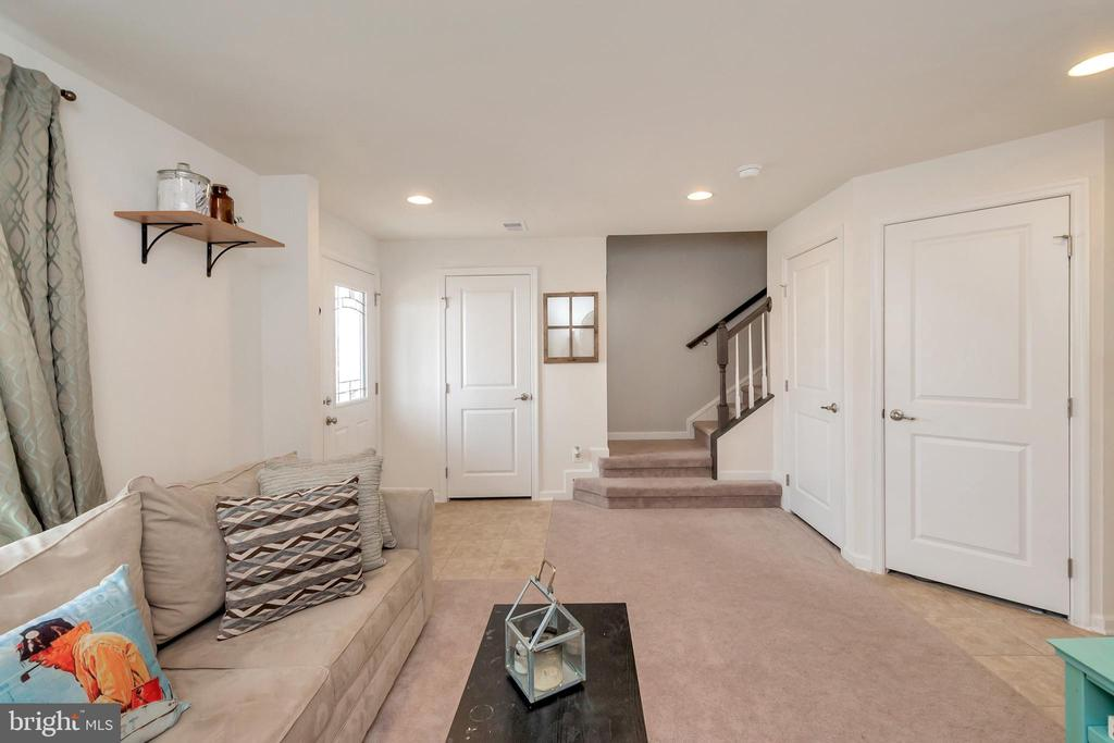 Main entrance rec room - 3014 REVERE ST, BEALETON
