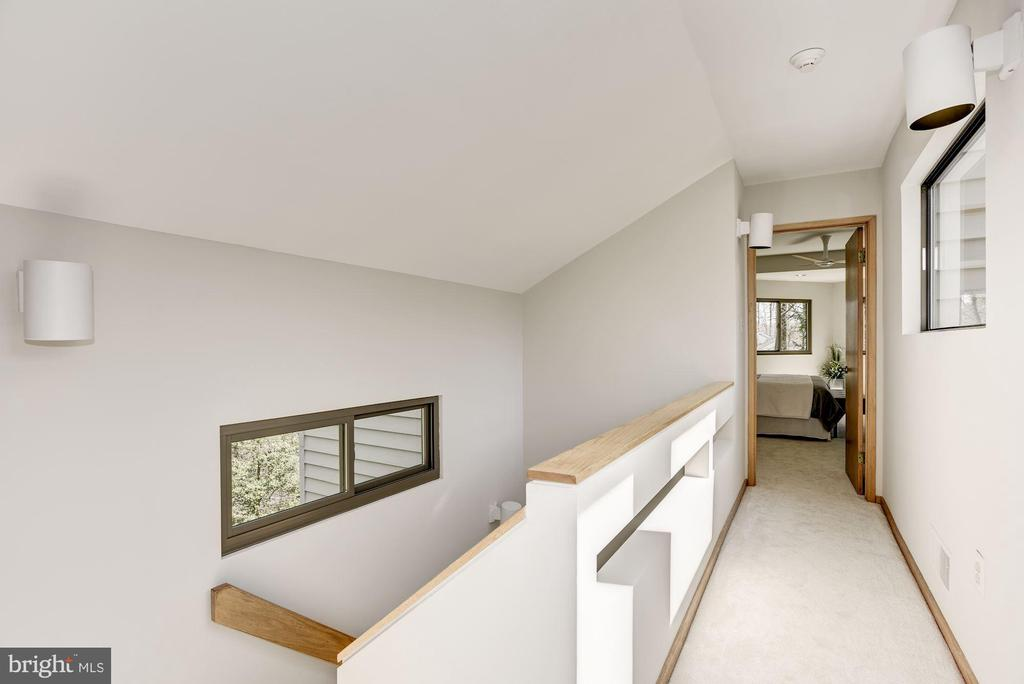 EXCITING DESIGN FEATURES - 11594 NEWPORT COVE LN, RESTON