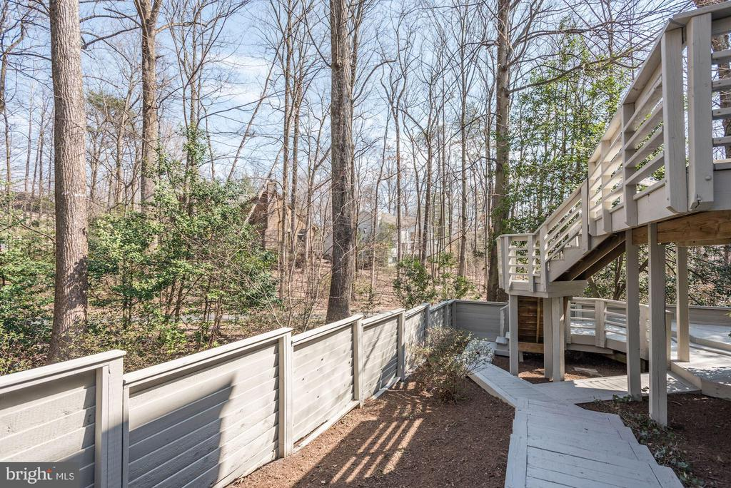 LOT EXTENDS WAY OUTSIDE OF IMMEDIATE FENCE - 11594 NEWPORT COVE LN, RESTON
