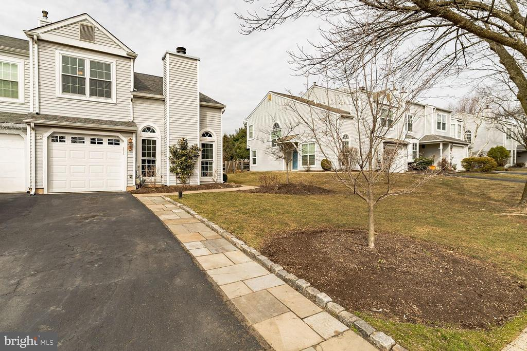 32  SKYVIEW WAY, Newtown in BUCKS County, PA 18940 Home for Sale