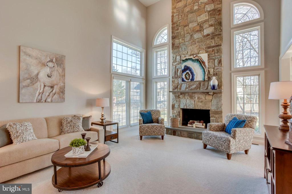 Floor to Ceiling Stone Fireplace - 26158 GLASGOW DR, CHANTILLY