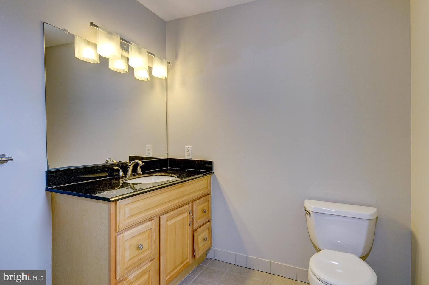 Additional photo for property listing at  Princeton Junction, New Jersey 08550 États-Unis