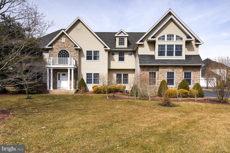 Villa per Vendita alle ore 42 GINNIE Lane Princeton Junction, New Jersey 08550 Stati UnitiIn/In giro: West Windsor Twp, West Windsor Twp