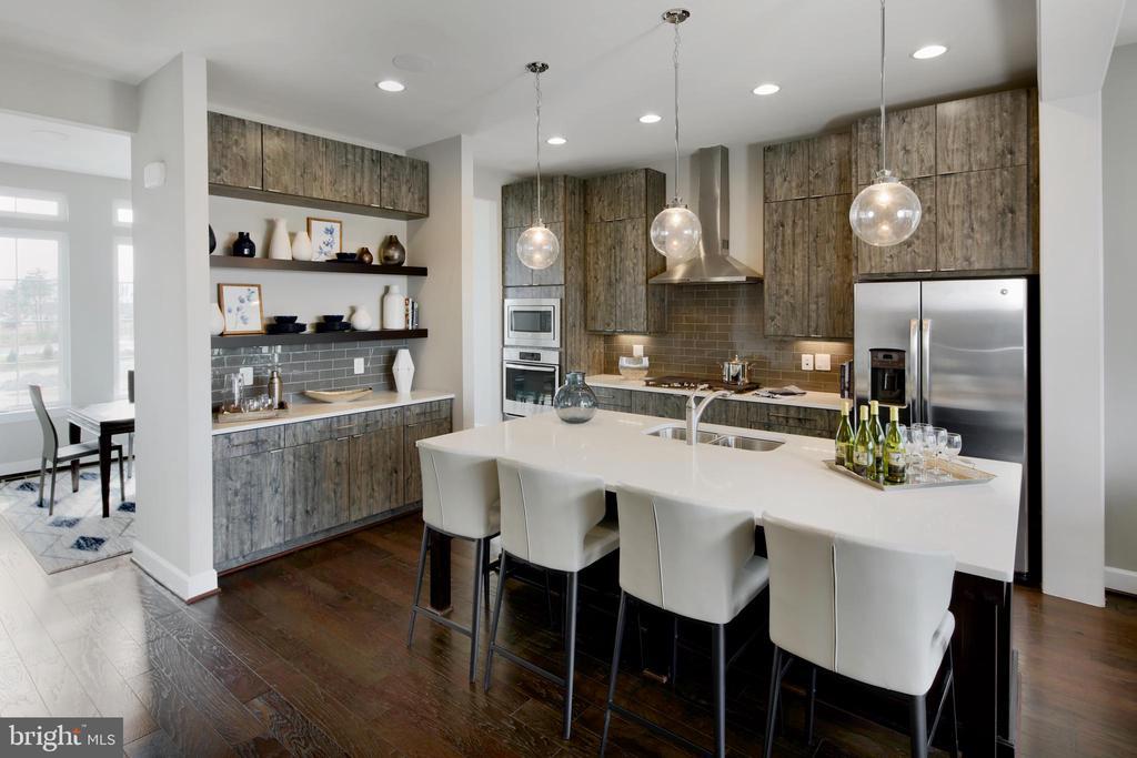 Kitchen to Dining Room - 4 LAVALLETTE SQ, BRAMBLETON