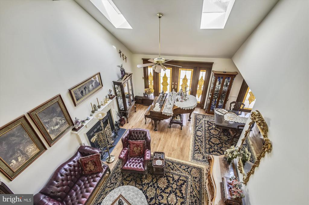 Loft overlooks Living Room - 4572 SHETLAND GREEN RD, ALEXANDRIA