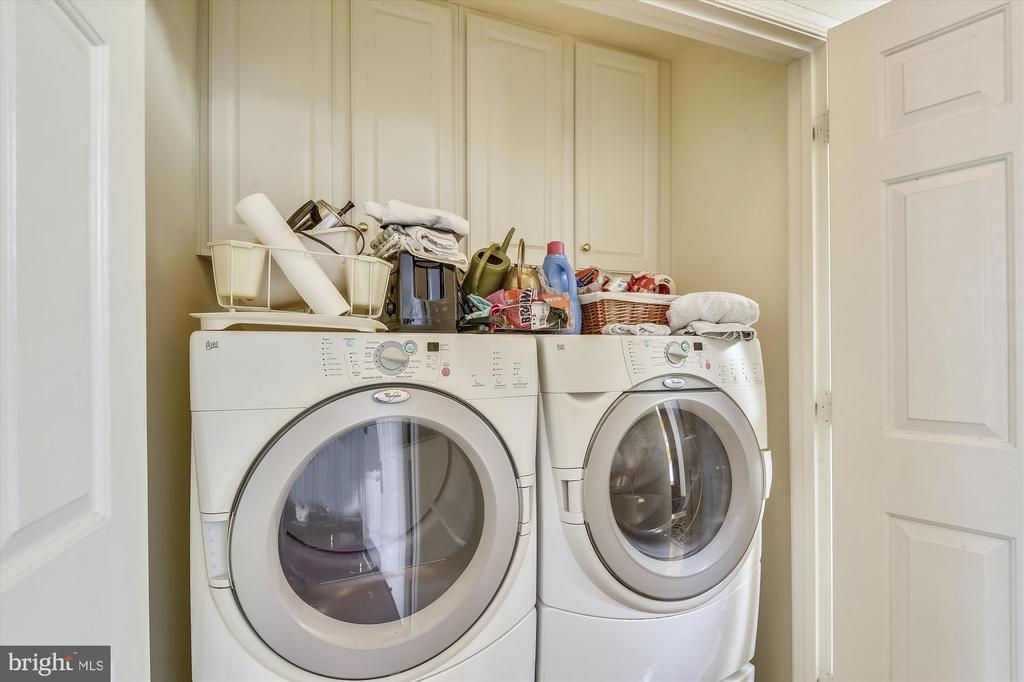 Main level  Laundry room - 4572 SHETLAND GREEN RD, ALEXANDRIA