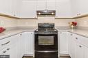 Smooth Top Range - 18862 MCFARLIN DR, GERMANTOWN