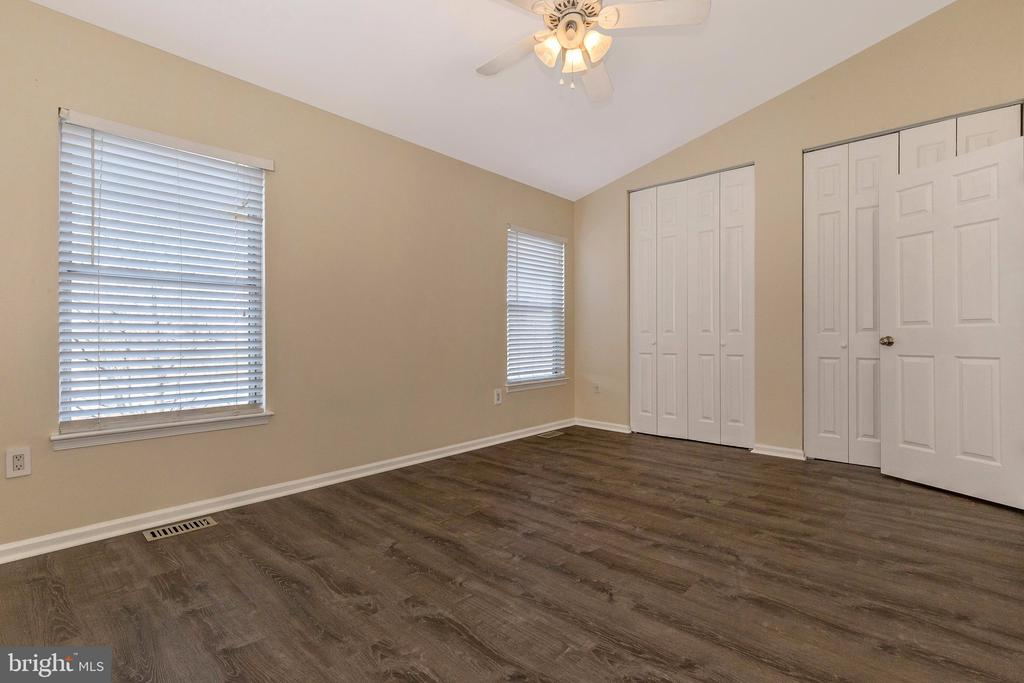 Master Bedroom with Ceiling Fan and Light - 18862 MCFARLIN DR, GERMANTOWN